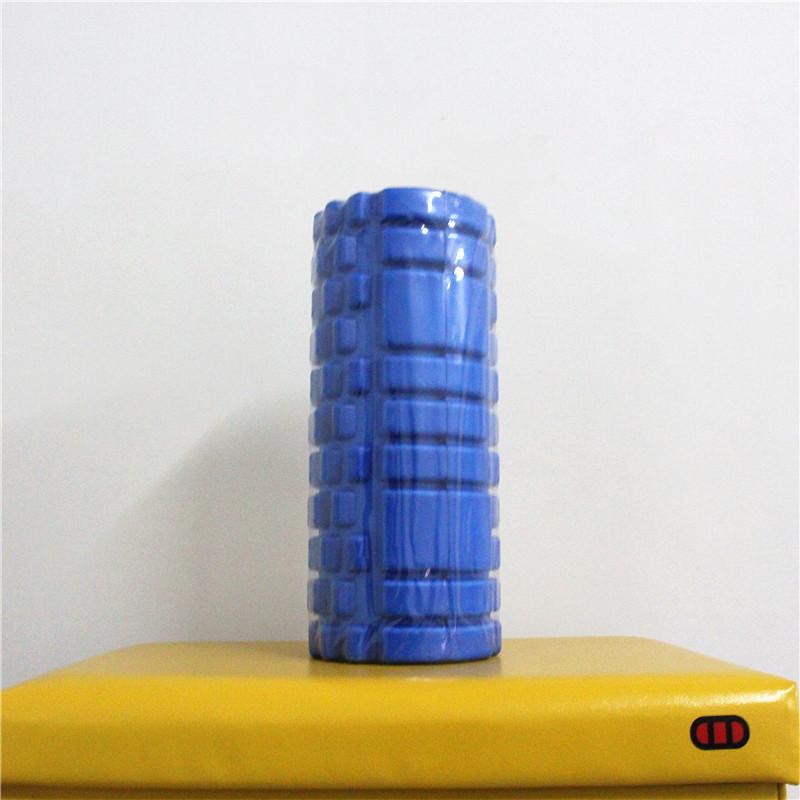 Con lăn massage foam roller màu xanh