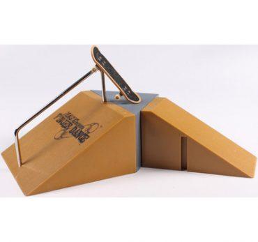 Mô hình luyện ván trượt tay (tặng kèm ván trượt)