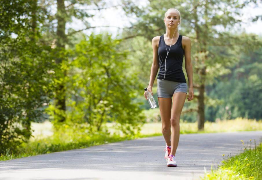 Tác dụng tuyệt vời của đi bộ với sức khỏe