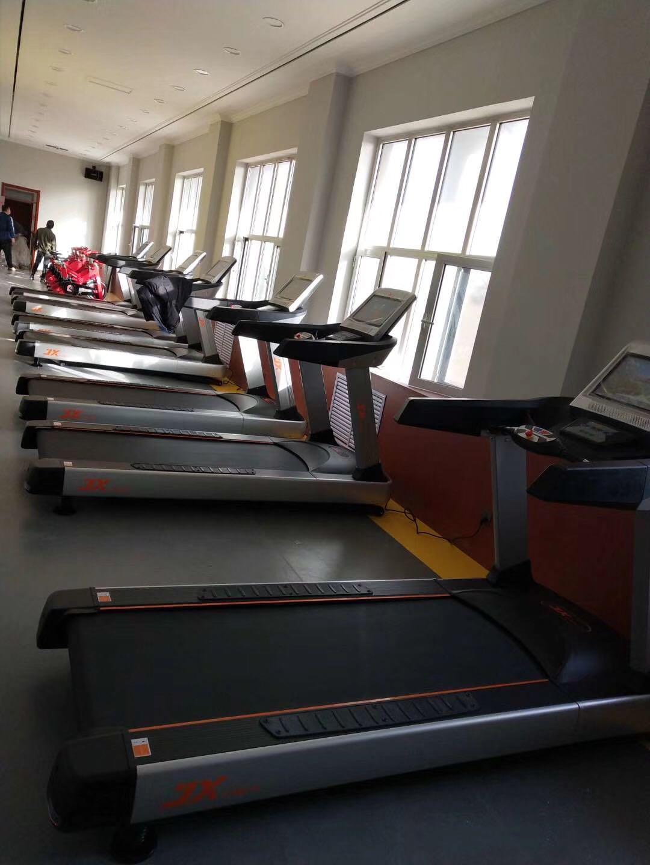 Hình Ảnh Lắp Máy Tại Một Phòng Gym